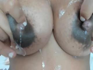 bigmom_  webcam sex