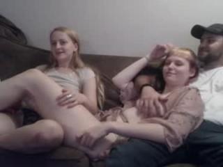 little_embers  webcam sex