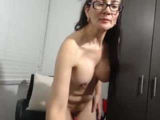 isabellaexotica has a pussy that is constantly wet and an amazing, round, juicy and shapely ass