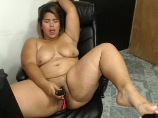 rosesugarhot has an incredible ass, the one that is shapely, juicy, tight, big, thick and phat, all at once
