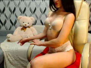 principesse broadcast close-up shots of amazing body, perky tits, juicy wet pussy and a firm little ass