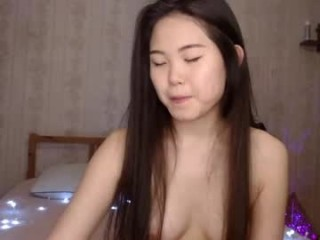 asi_akira_ broadcast cum shows featuring this hottie shamelessly getting an incredible orgasm