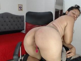 bonniesex  webcam sex