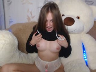 little_princesss_ broadcast cum shows featuring this hottie shamelessly getting an incredible orgasm