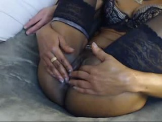 ivory_and_ebony broadcast giving a sloppy, deep blowjob during one of amazing cum shows