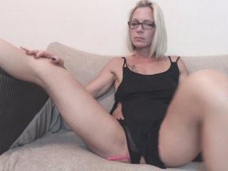 trophymilf  webcam sex