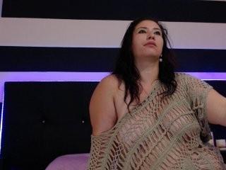 laly-lust  webcam sex