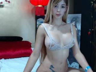 laurabigtits  webcam sex