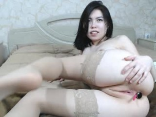 xxx_flash broadcast cum shows featuring this hottie shamelessly getting an incredible orgasm