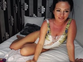 belle2u broadcast masturbation sessions with leaking pussy and tight asshole being in the spotlight