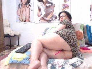 vkktoriaaa broadcast masturbation sessions with leaking pussy and tight asshole being in the spotlight